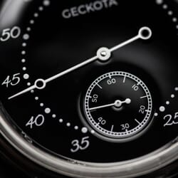 Geckota W-01 Vintage Jumping Hour Automatic Dress Watch